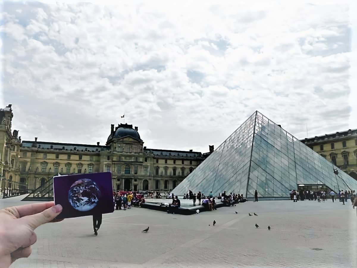 The Louvre Museum was #EarthFlagged !