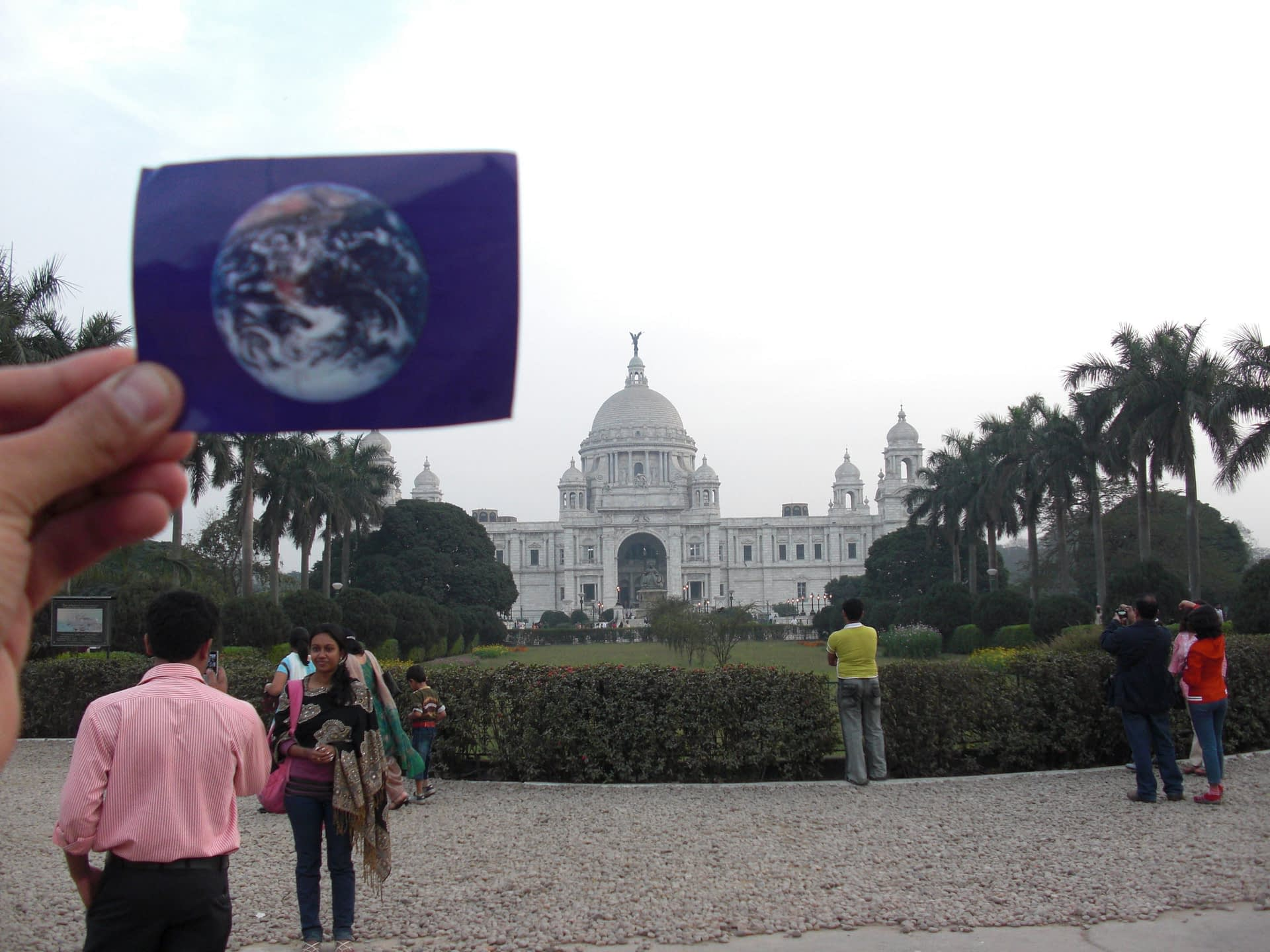 The Victoria Memorial was #EarthFlagged!