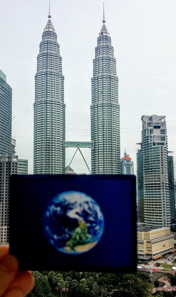 The Petronas Towers were #EarthFlagged!